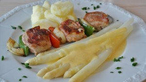 meat-skewer-329222_640